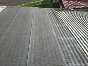 Металлическая крыши гаража покрыта Унифлексом